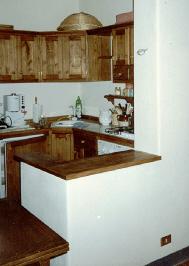 Angolo cottura un esempio di cucina componibile un piccolo cucinotto